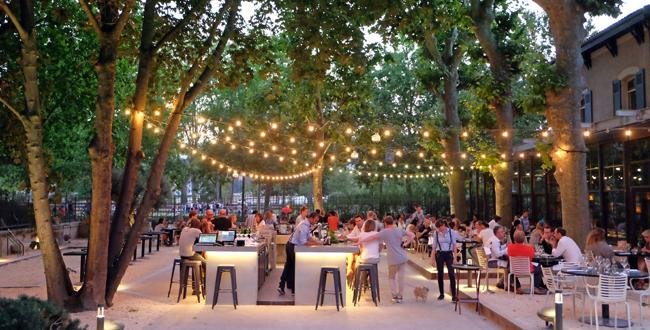 Terrasse restaurant 92