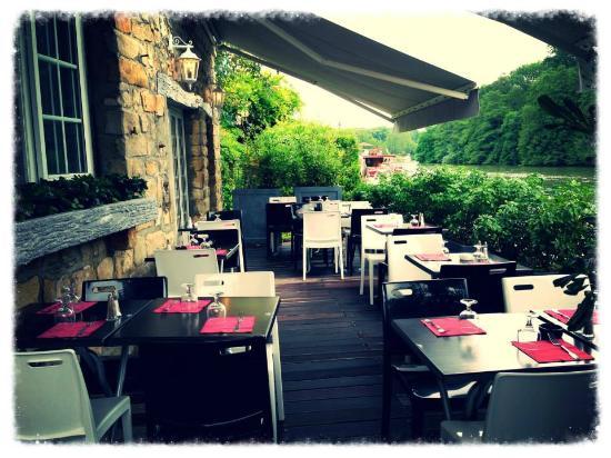 Restaurant terrasse bord de seine 77