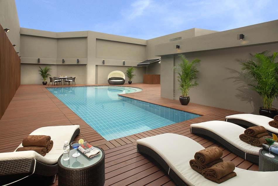 Aménager une terrasse avec piscine