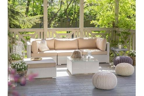 Avec quoi traiter un salon de jardin en bois