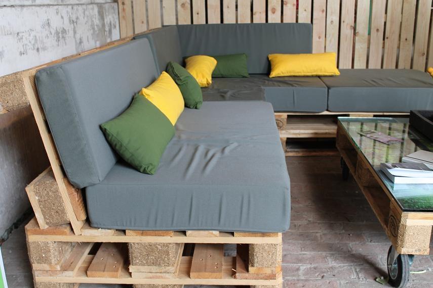 Table salon de jardin en bois de palette