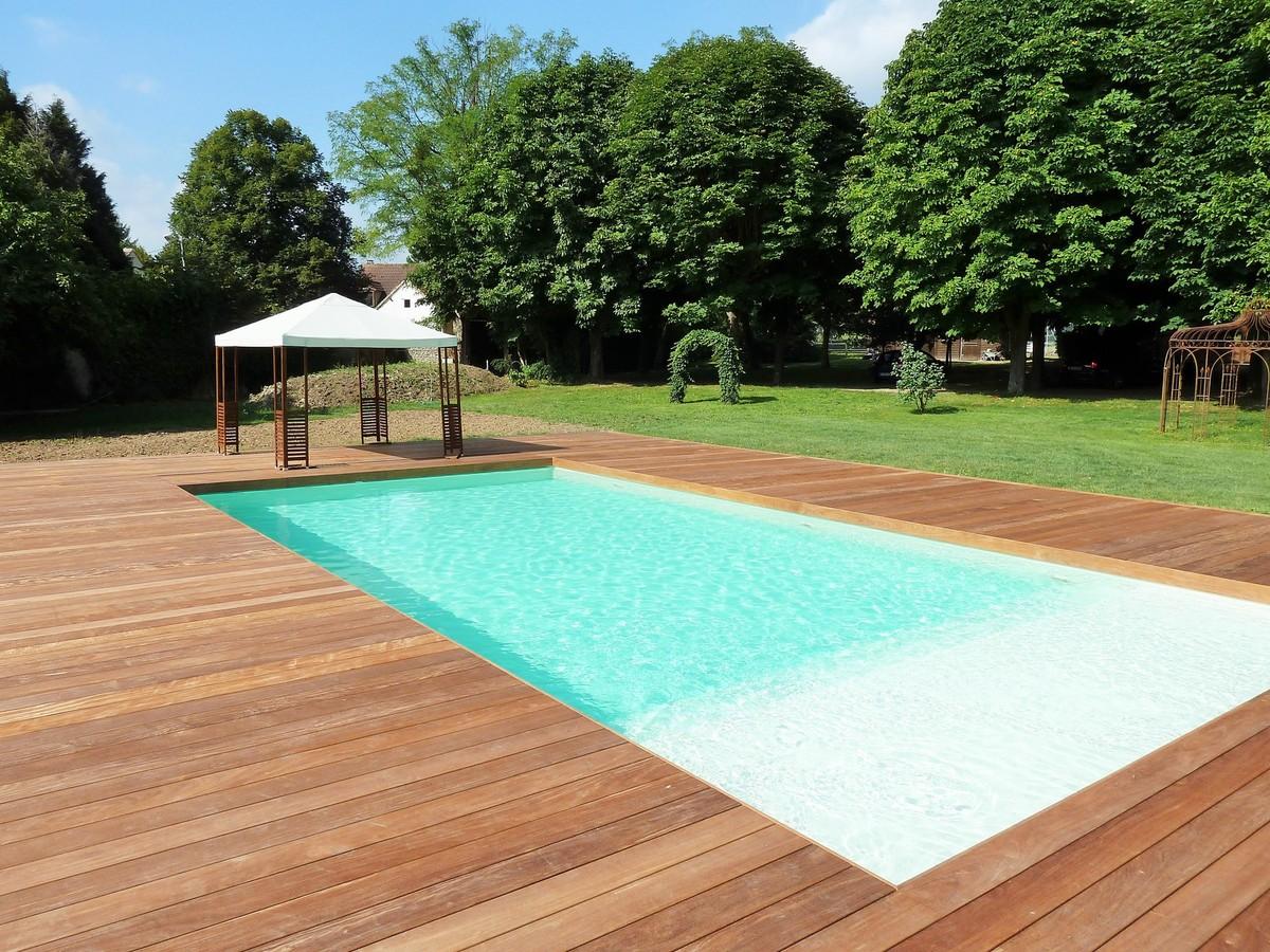 Terrasse en bois piscine photo