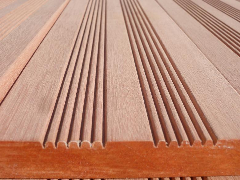 Terrasse bois exotique landes