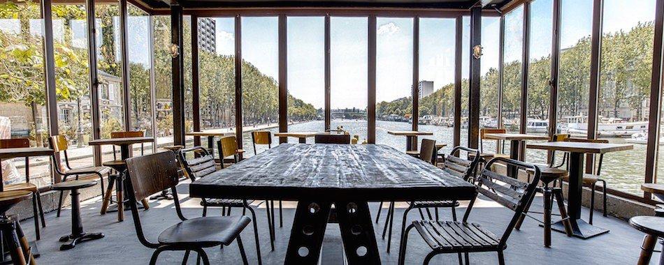 Restaurant bord de seine terrasse