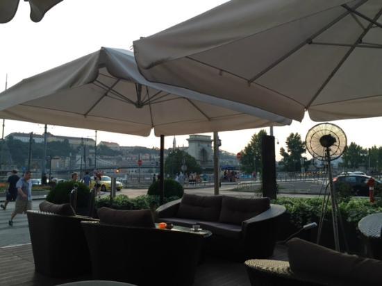 Restaurant terrasse avec vue