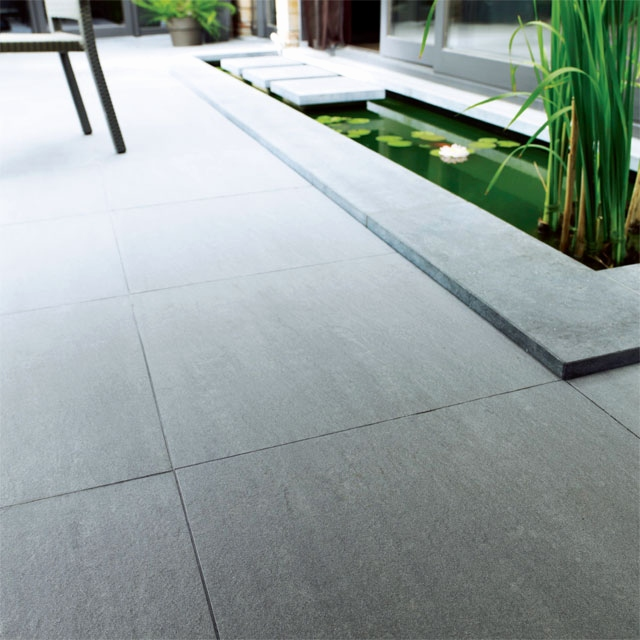 Terrasse caillebotis métallique