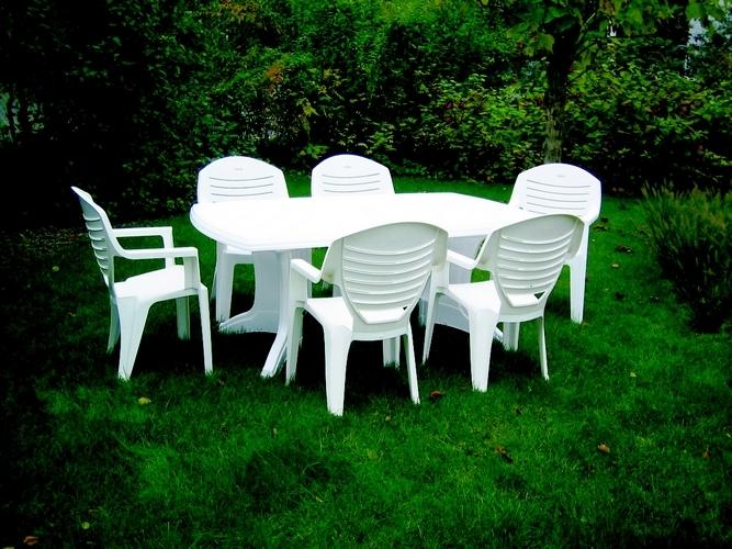 Salon de jardin en plastique blanc - Mailleraye.fr jardin