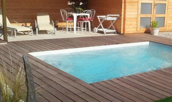 Terrasse bois piscine coque