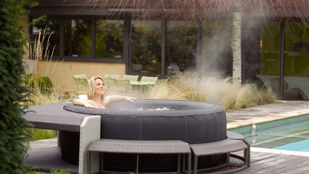 Terrasse avec piscine gonflable