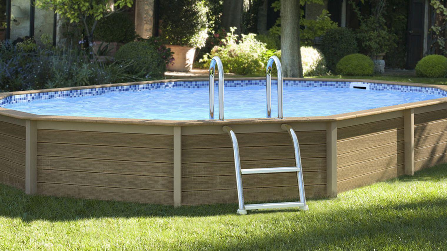Terrasse bois piscine intex