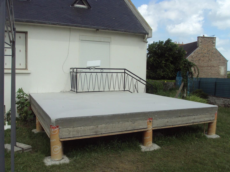 Terrasse sur pilotis bois ou beton jardin - Maison bois sur plots ...