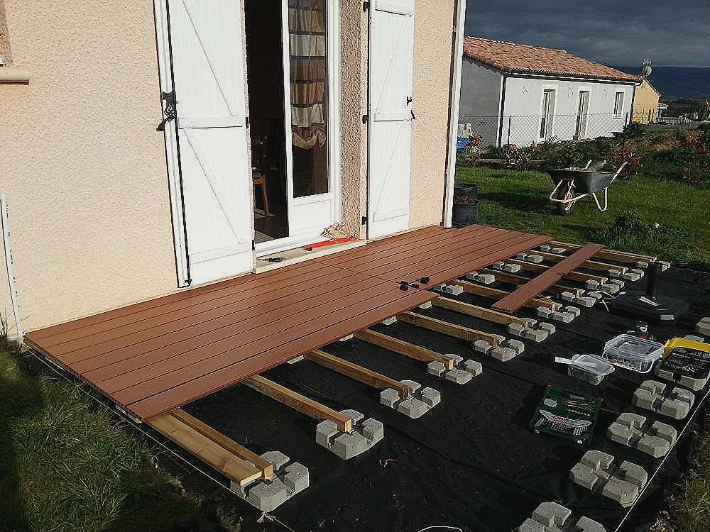 Terrasse bois sur plot parpaing