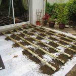 Montage d'une terrasse en bois sur plot beton