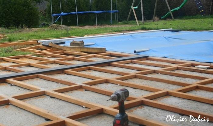 Terrasse bois autour de piscine
