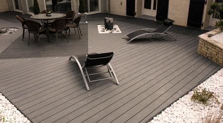 Terrasse bois composite gris clair