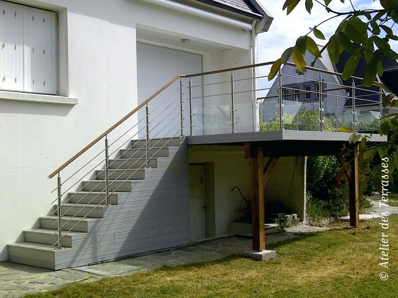 terrasse beton en hauteur jardin. Black Bedroom Furniture Sets. Home Design Ideas