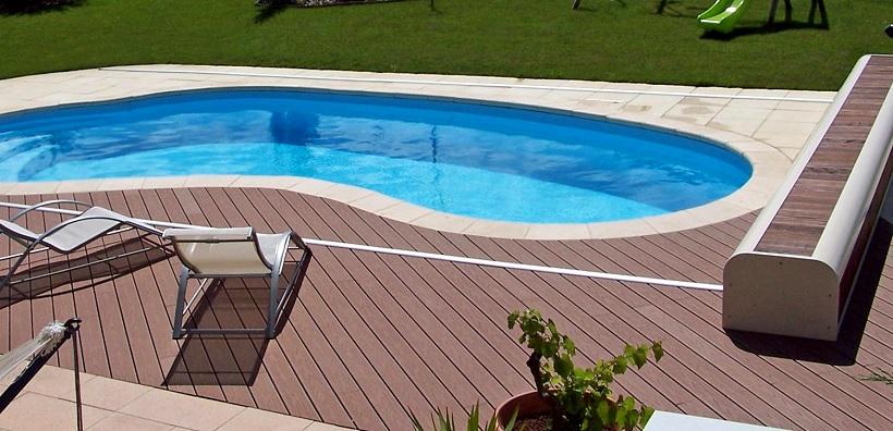 Largeur terrasse autour piscine