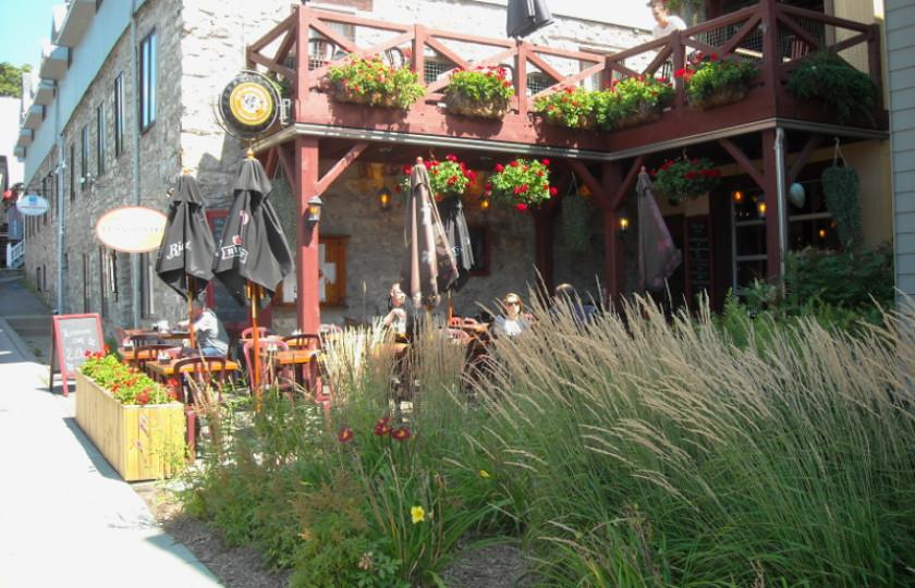 Bar-terrasse vieux-terrebonne
