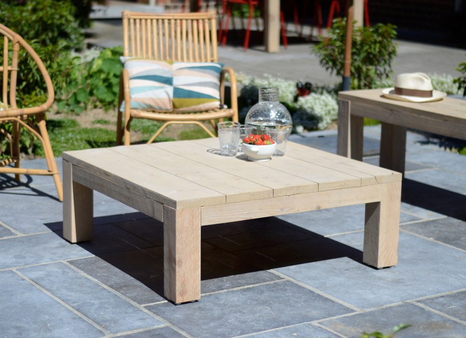 Table salon de jardin en bois
