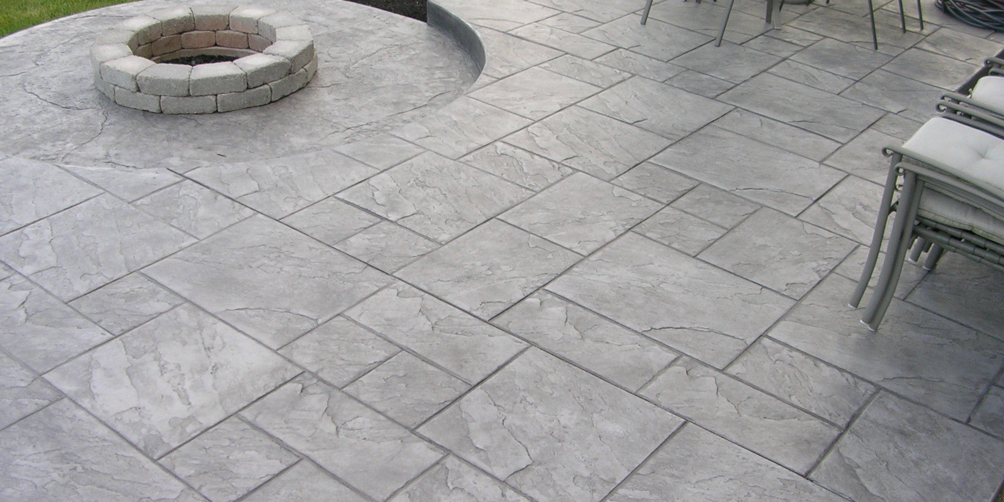 Terrasse beton imprimé ou carrelage