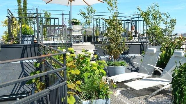 Une terrasse aménagée en anglais