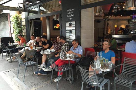 Cafe terrasse bercy