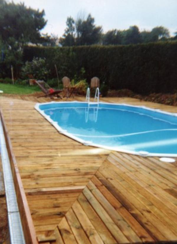 Construire terrasse autour piscine