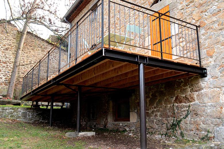 Terrasse en bois sur pilotis prix