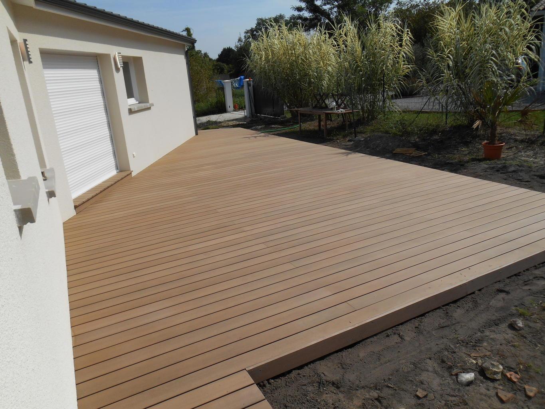 Terrasse bois et composite bordeaux