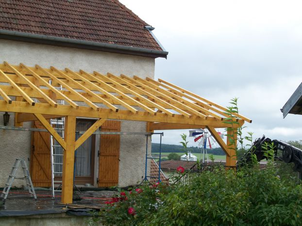 Terrasse couverte fermette