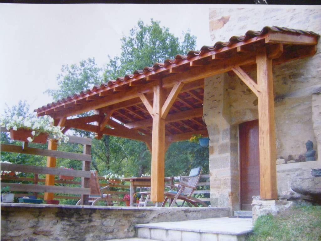 Terrasse couverte charpente bois