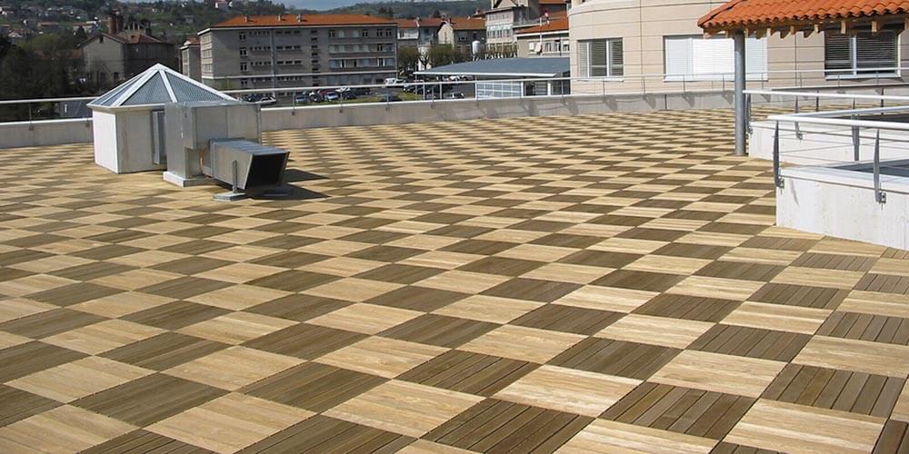 Terrasse bois sur plot ou dalle
