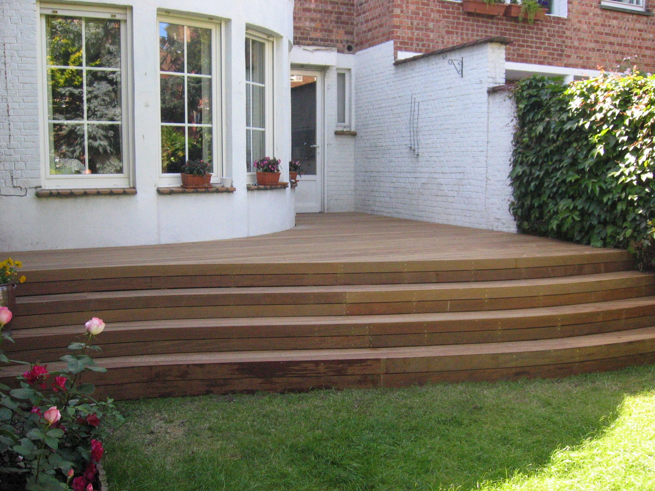 Terrasse escalier jardin