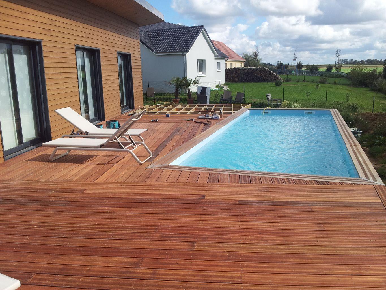 Modele de terrasse en bois pour piscine