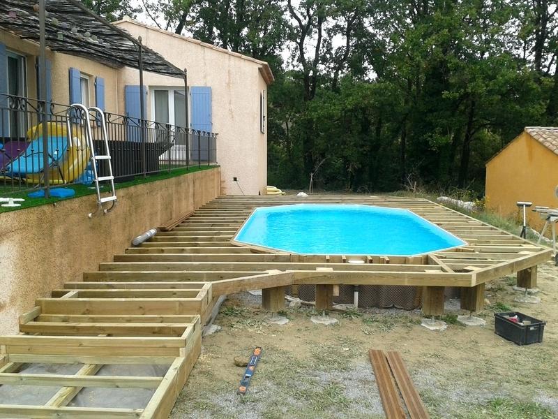Terrasse bois piscine hexagonale jardin - Terrasse piscine bois composite ...