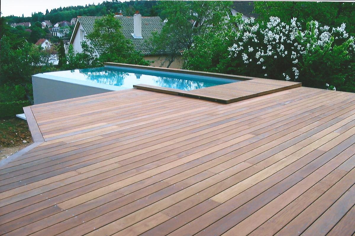 Terrasse suspendue avec piscine