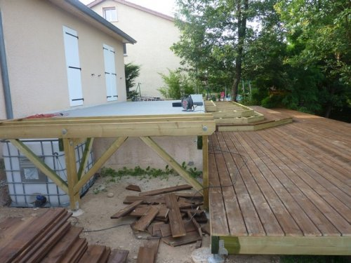 Terrasse suspendue anglais