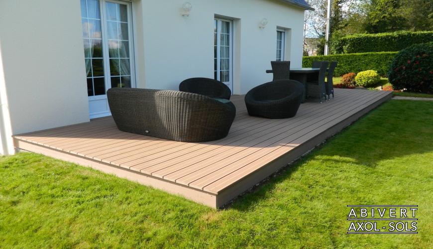 Terrasse composite bois clair