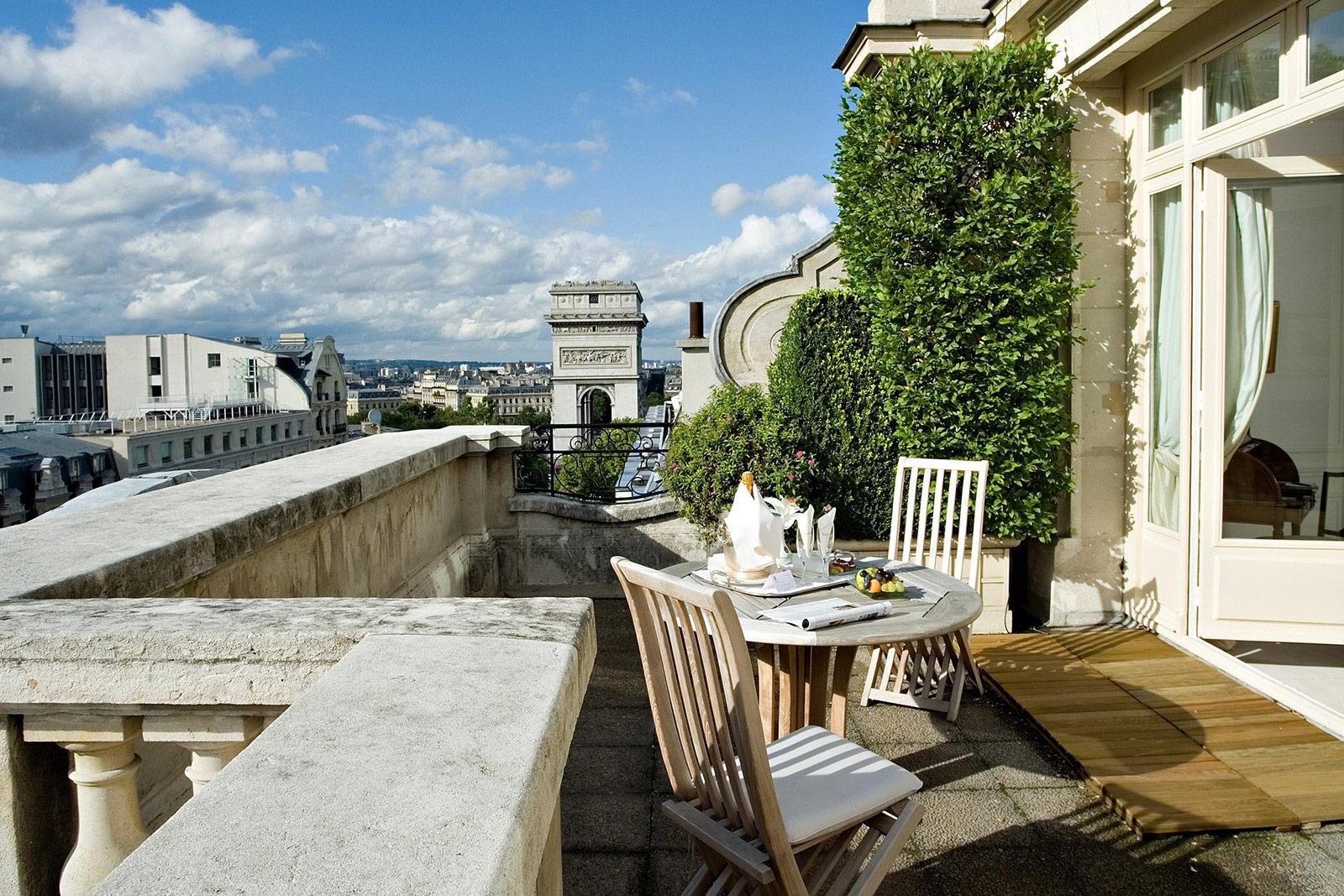 Terrasse et bar de l'hôtel raphael